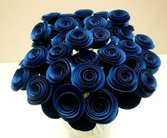 Décorations de mariage bleu marine  50 fleurs en par DesignbyAndra