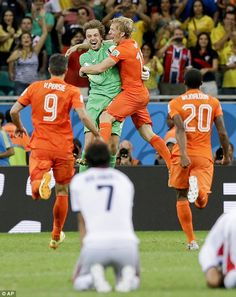 Holland 0-0 Costa Rica (4-3 pens) World Cup 2014 MATCH REPORT: Tim Krul comes on as late substitute to guide Oranje to shoot-out victory