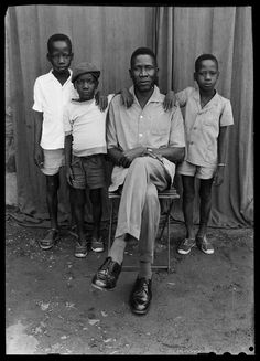 seydou keita photography | Bamako, Mali Seydou Keita, Black Fathers, Fade To Black, Famous Photographers, African Culture, Fine Art Photo, Black And White Pictures, Studio Portraits, West Africa