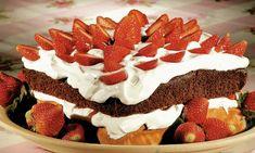 bolo bicolor de morango