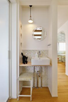 手洗いスペース(F邸・家族の笑顔が生まれる、明るく暖かな2階リビング)                                                                                                                                                     もっと見る