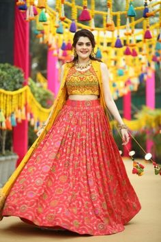 This Bride Designed The Outfits For Everyone At Her MehendiPhoto Of Bride And Groom Mehendi Outfits Half Saree Designs, Choli Designs, Lehenga Designs, Blouse Designs, Indian Designer Outfits, Indian Outfits, Designer Dresses, Designer Wear, Mehendi Outfits