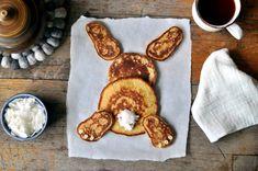 Harepus av lapper til frokost Pancakes, French Toast, Breakfast, Food, Morning Coffee, Essen, Pancake, Meals, Yemek