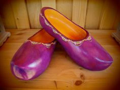 Purple clogs for my friend, THE nurse with glasses :) Shades Of Purple, 50 Shades, World Alzheimers Day, Dementia Awareness, Wide Feet, Crazy Shoes, My Favorite Color, Clogs, Paradise