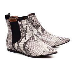 Chelsea snake boot
