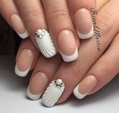 White french accent nail