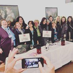 Bravissime le#donnedelvino del #trentinoaltoadige: al #meranoWineFestival hanno fatto soldout con la #degustazione alla #cieca!