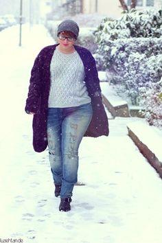 Plus Size Fashion for Women - Plus Size Casual Outfit - http://luziehtan.de/2015/02/outfit-casual-knit/