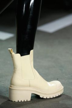 The power of the boots. Marc by Marc Jacobs Spring 2015 Ready-to-Wear - Details - Gallery - Look 8 - Style.com