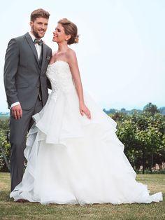 One Shoulder Wedding Dress, Rock, Wedding Dresses, Fashion, Tops, Dress Wedding, Bridal Gown, Curve Dresses, Bride Dresses