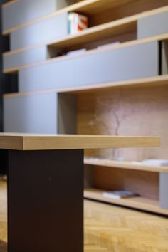 MOBILAMO Massmöbel - Showroom Graz Table Designs, Bespoke Furniture, Montage, Showroom, Designer, Desk, Shelves, Home Decor, Carpenter