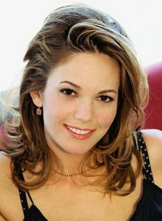 (Diane Lane) old & beautiful Beautiful Celebrities, Beautiful Actresses, Beautiful People, Beautiful Women Over 40, Pretty People, Short Curly Hair, Curly Hair Styles, Diane Lane Actress, Belle