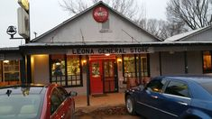 In Texas, restaurants like these with good food and good service are favored by far over ones with fancy atmospheres.