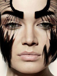Photography: Samantha Wolov - Makeup: Nikol Elanine