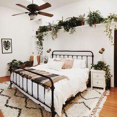 The best and easiest 2 bedroom apartment zermatt to inspire you bedroom inspirations 2 Bedroom Apartment/House Plans Room Ideas Bedroom, Cozy Bedroom, Bedroom Inspo, Home Decor Bedroom, Bed Room, Bedroom Designs, Bedroom Artwork, Budget Bedroom, Queen Bedroom