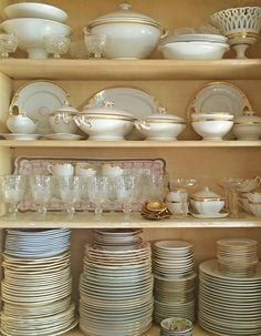 Curious how to Keep Antique Plates Scratch-Free? Architectural Digest suggest using our Felt Plate Dividers!