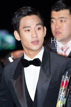 Blue Dragon Film Awards 121130 #KimSooHyun #김수현
