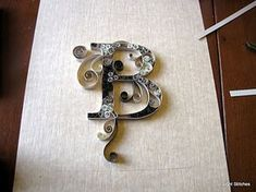 monogram quilling - got to try this...