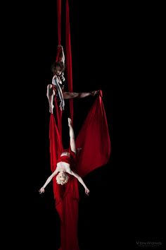 Benjamin Von Wong - A viral creative focused on telling epic stories through his surreal photography and videography experiences. Aerial Dance, Aerial Gymnastics, Aerial Hammock, Aerial Acrobatics, Aerial Yoga, Benjamin Von Wong, Arial Silks, Circus Art, Aerial Arts