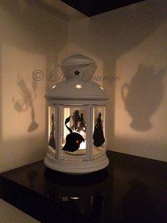 Schönheit und das Tier-Laterne Weisse Laterne mit schwarzem Vinyl Aufkleber Ca. 23cm Höhe Schöne Laterne ein muss für jeden Fan! * Zeichen nicht enthalten Elemente werden per Kurier versandt.
