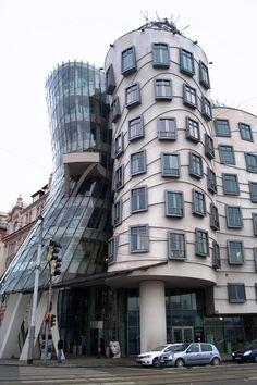 Tanzendes Haus in #Prag alle Sehenswürdigkeiten von Prag: http://reisespatz.de/prag-tipps/