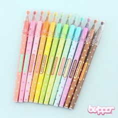 Make the world as colorful and kawaii as you want with these colourful ink pens! There are so many cute colors and they all have a different sweet pattern on them. With these pens in your pencil case, your drawings will always be full of colors! So kawaii!