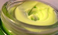Come preparare una crema solare fatta in casa