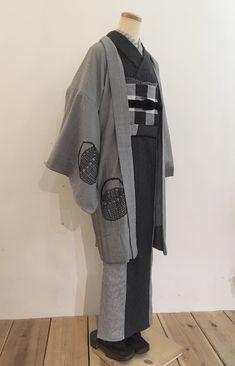 「着物コート チャコールグレイ」の検索結果 - Yahoo!検索(画像) Traditional Kimono, Yukata, Kimono Fashion, Casual Outfits, Kimono Top, Asian, Clothes, Women, Style