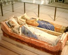 Eleanor of Aquitaine and Henry II at Fontevraud Abbey.