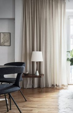 Curtains: Discover Tips and Mistakes to Avoid Neutral Bedroom Decor, Vintage Bedroom Decor, Home Curtains, Curtains With Blinds, Window Treatments Living Room, Small Room Bedroom, Home Living Room, Home Interior Design, Home Decor
