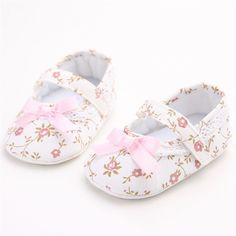 8d029d2117b Lovely Floral Newborn Baby Girl Shoes Pink Flower And Bowknot White Lace  Kids Shoes Zapatos Nina Meisjes Schoenen Infant Walker