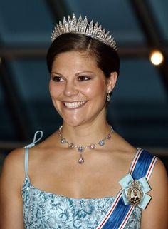 Från bal till bröllop: Kronprinsessan Victorias 87 vackraste klänningar genom tiderna
