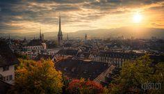 * Sonnenuntergang über Zürich * wurde in Schweiz, Zürich aufgenommen und hat folgende Stichwörter: Natur,  Architektur,  Landschaft.