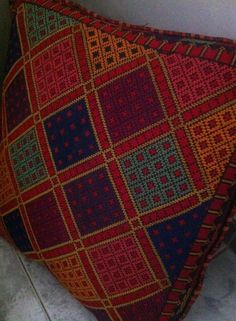 Cross Stitch Borders, Cross Stitch Designs, Cross Stitching, Cross Stitch Patterns, Hand Embroidery Stitches, Cross Stitch Embroidery, Embroidery Patterns, Needlepoint Designs, Needlepoint Pillows