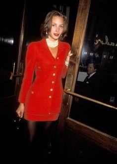 Christy Turlington en Chanel à la soirée de lancement de la ligne masculine de Donna Karan à New York en 1991