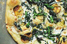 5 Healthy Homemade Pizza Recipes via @domainehome
