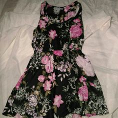 Cotton On dress Cute floral dress from Cotton On, perfect condition! Cotton On Dresses Midi