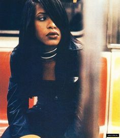 Once thought outside observers, hip-hop celebrities are currently with the reason behind the world of fashion. Rip Aaliyah, Aaliyah Style, Aaliyah Outfits, Aaliyah Pictures, Aaliyah Haughton, Old School Music, Toni Braxton, Hip Hop And R&b, My Black Is Beautiful
