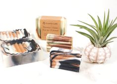 Natural marble soaps made by Kusala | Thuyskamer