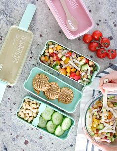 Fantastic for lunches! This 3 layer stacked Bento Box is perfect to fit into your backpack or purse to bring to work or school. This lunch box is microwave safe and dishwasher safe. The bento box comes with 1 container, 1 spoon. No longer do you have to turn your lunch box side ways to fit into your bag and risk le Healthy Lunches For Work, Healthy Afternoon Snacks, Lunch Snacks, Healthy Snacks, Bento Box Lunch For Adults, Adult Lunch Box, Lunch Box Containers, Healthy Food To Lose Weight, Healthy Dessert Recipes