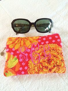 Zipper Bag Quilted Padded Lined The by MakingSomethingHappy Dorm Ideas, Zipper Bags, Sunglasses Case, Trending Outfits, Unique Jewelry, Handmade Gifts, Pretty, Vintage, Kid Craft Gifts