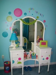 Bubbling Over Tween Bedroom...cute girls room - Click image to find more Kids Pinterest pins