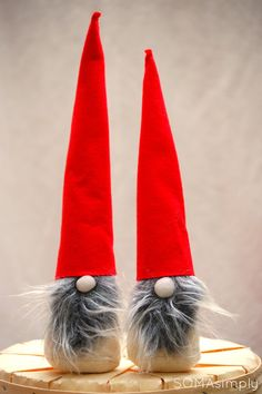 Scandinavian Gnome Tonttu Tomten Nisse by SOMAsimply on Etsy All Things Christmas, Christmas Trees, Merry Christmas, Rice Bags, Scandinavian Gnomes, Good Luck To You, Mythological Creatures, White Bodies, Red Hats