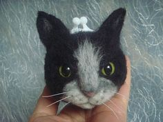 Needlle felting kitten//Handfelted purse with frame// cat face //applique/jewelry case// black and Gray cat