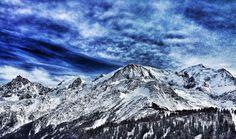 Refuge du Goûter et massif du Mont-Blanc vus des Houches. © Copyright Yves Philippe