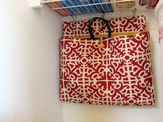 Storage for grocery bags! (For those of us who like to save and reuse paper grocery bags or fabric shopping bags, and want a way to store them without looking like a hoarder! Paper Grocery Bags, Reusable Shopping Bags, Reusable Bags, Ikea Storage, Storage Baskets, Storage Ideas, Food Storage, Smart Storage, Sewing Crafts