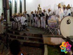 """RECORRIENDO MICHOACÁN La música michoacana como La Pirekua, que significa """"el canto"""", combina los ritmos tradicionales del son michoacano, el sonecito y el son regional, pero su principal característica es que lleva un ritmo lento y se canta en lengua Purépecha. Venga y disfrute de este género musical tan propio de éste bello estado y maravíllate de sus riquezas culturales. HOTEL LA CASITA http://hotellacasita.com.mx"""