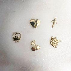 New Tooth Gems by Tegans Tooth Gems! Jewelry Tags, Gems Jewelry, Jewelery, Dental Jewelry, Diamond Teeth, Tooth Gem, Grillz, Body Art, Swarovski Crystals