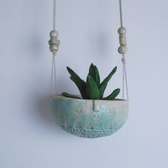 Image of Medium hanging plant pot// turquoise