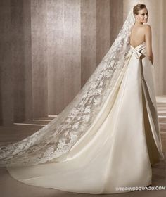 Wedding Dresses > 2013 Backless Sleeveless Lace Wedding Dress Bridal